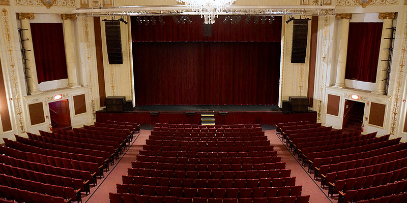 patchogue-theatre-main-stage