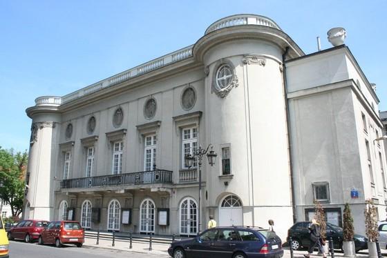 17_architektura_teatralna_page