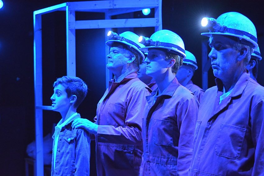 Billy (Cade Pearlman) and the Miners