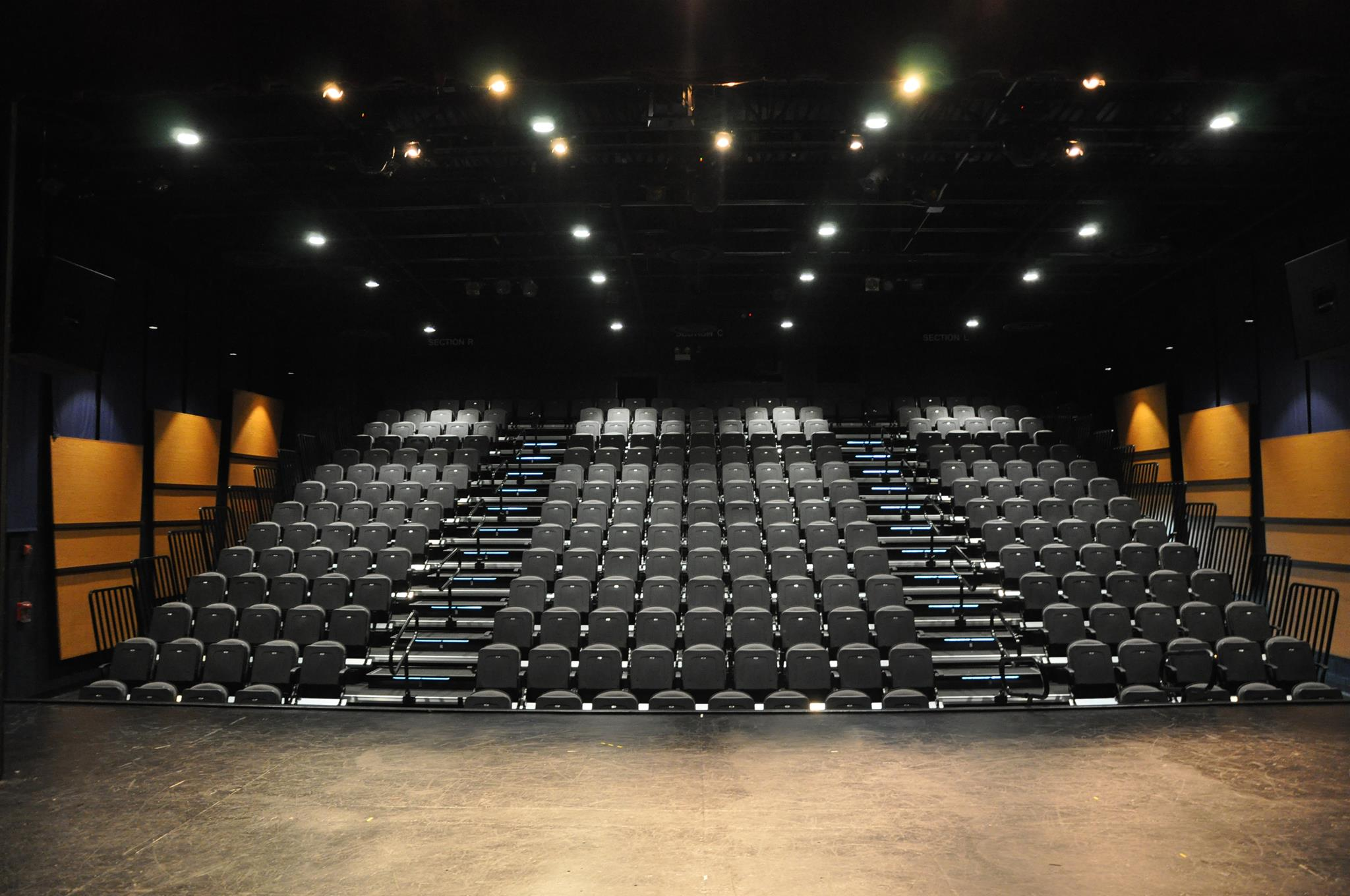 northbrook-theatre-interior