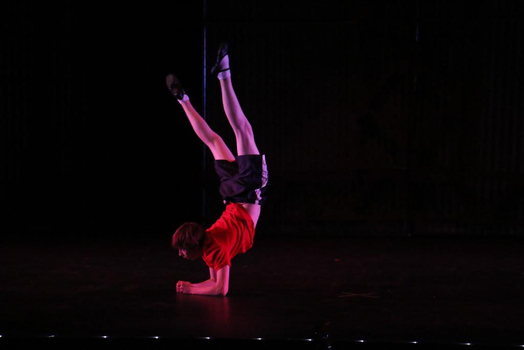 "Pete Pierantozzi performs ""Electricity"""